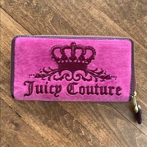 Juicy Couture pink zippered wallet